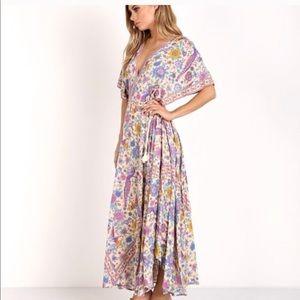 Dresses & Skirts - NWOT BOUTIQUE BEAUTIFUL BOHO FLORAL BIRD DRESS